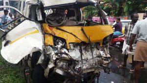 Mini-Lorry-Accident 006