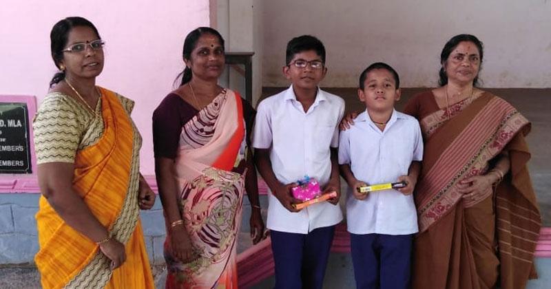 Harippad-honest-students